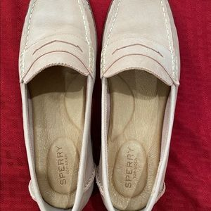 Sperry's Waypoint Penny Loafer 9